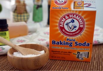 KHỬ MÙI HÔI NÁCH BẰNG BAKING SODA